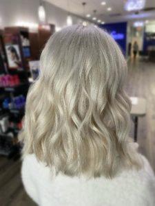 Dani blonding on the scalp
